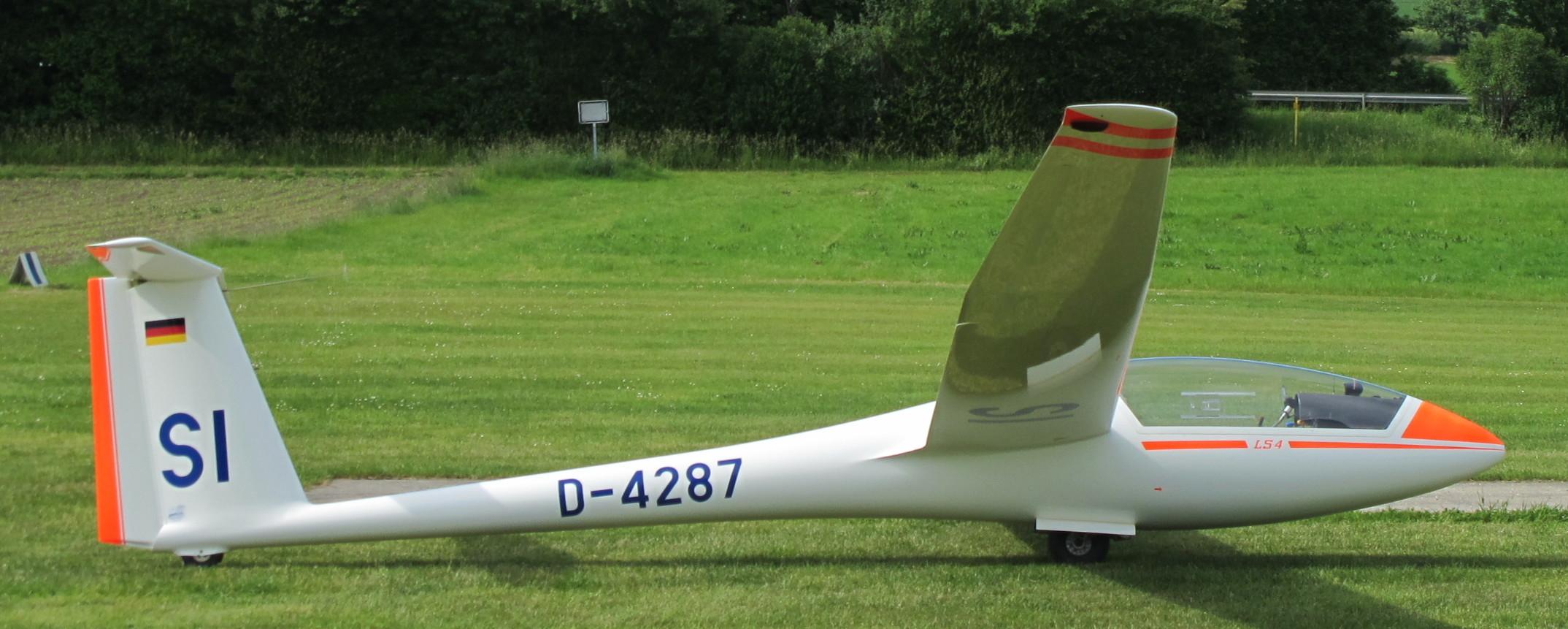 D-4287 aufgerüstet am Start 09